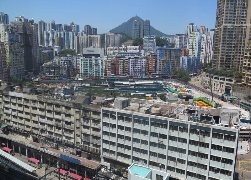 重建中的裕民坊(圖片來源:http://blog.vrhouse.com.tw/blog/hong-kong/hong-kong-area/2015/04/21/vrhk/)